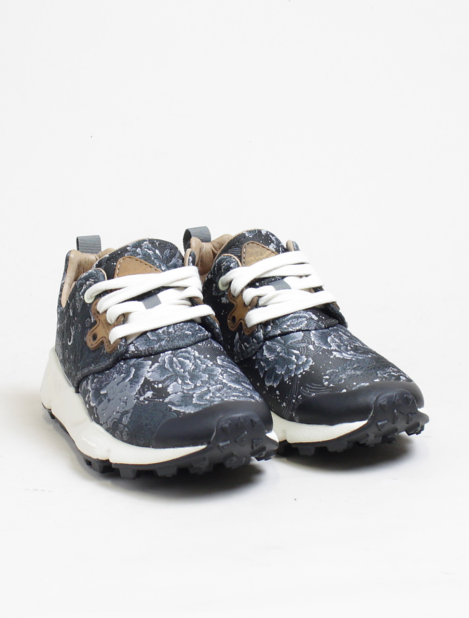 Flower Mountain sneakers Pampas black silver paio
