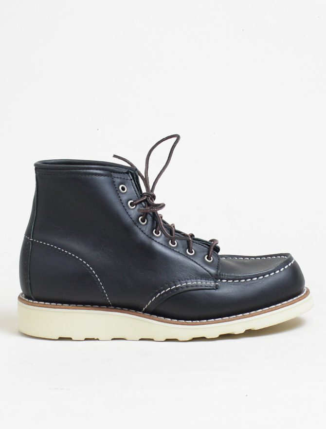 Red Wing 3373 Moc Toe Black Boundary