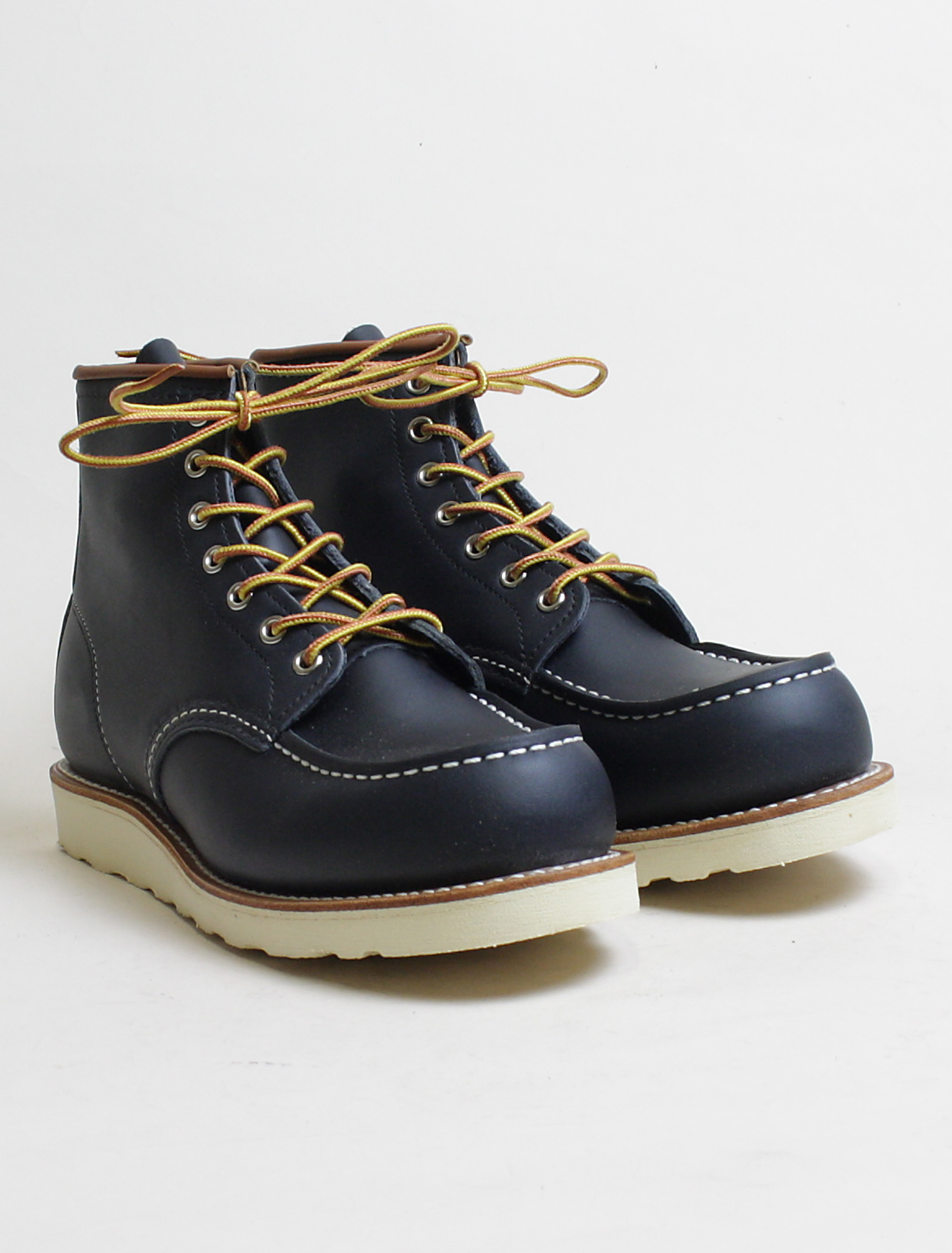 Red Wing 8859 Classic Moc Toe Navy paio