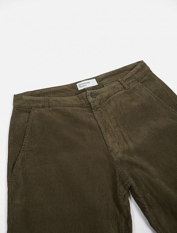 Universal Works Aston Pant Cord Olive dettaglio frontale