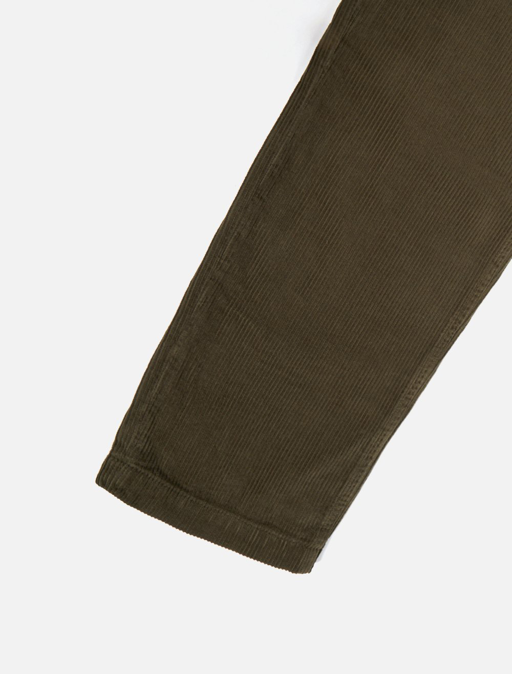 Universal Works Aston Pant Cord Olive dettaglio gamba