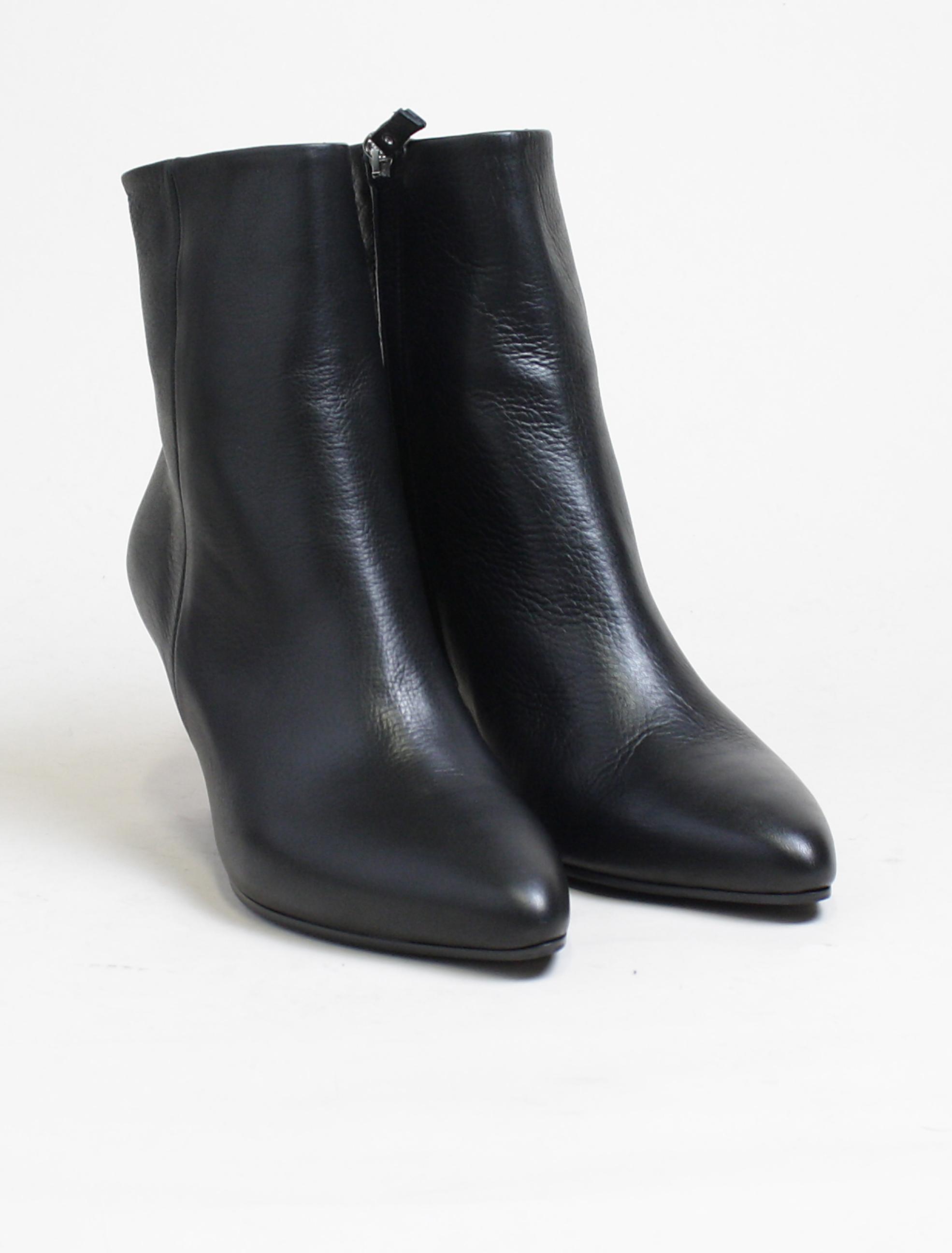 2018 sneakers buy popular good looking Vic Matié black glove ankle boot