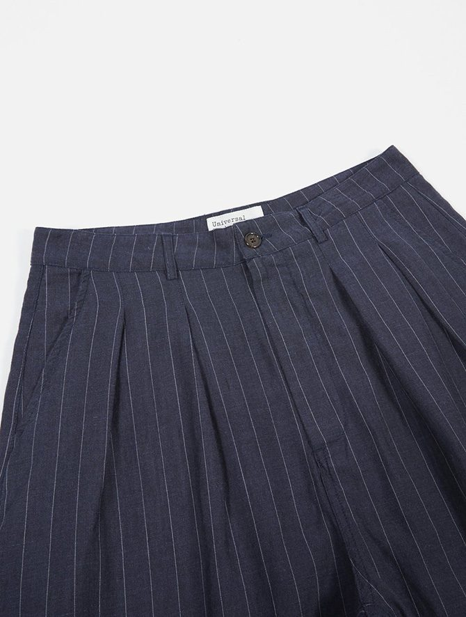 Universal Works Double Pleat Pant Linen wool Stripe Blue dettaglio bottone