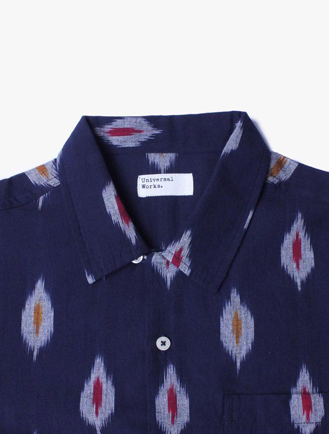 Universal Works Road Shirt Indigo dettaglio collo