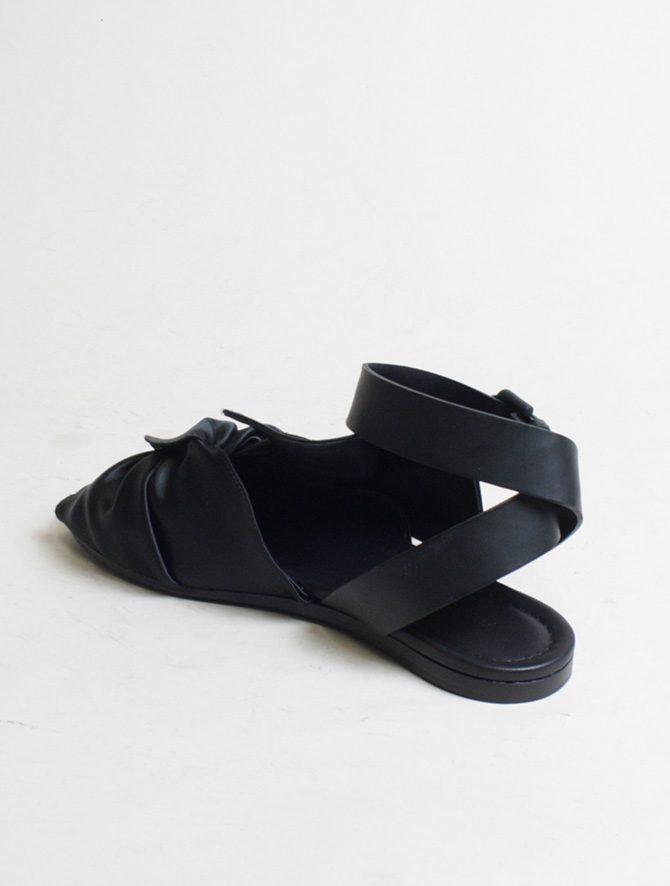 Vic Matié sandalo flat drappeggio nero laterale