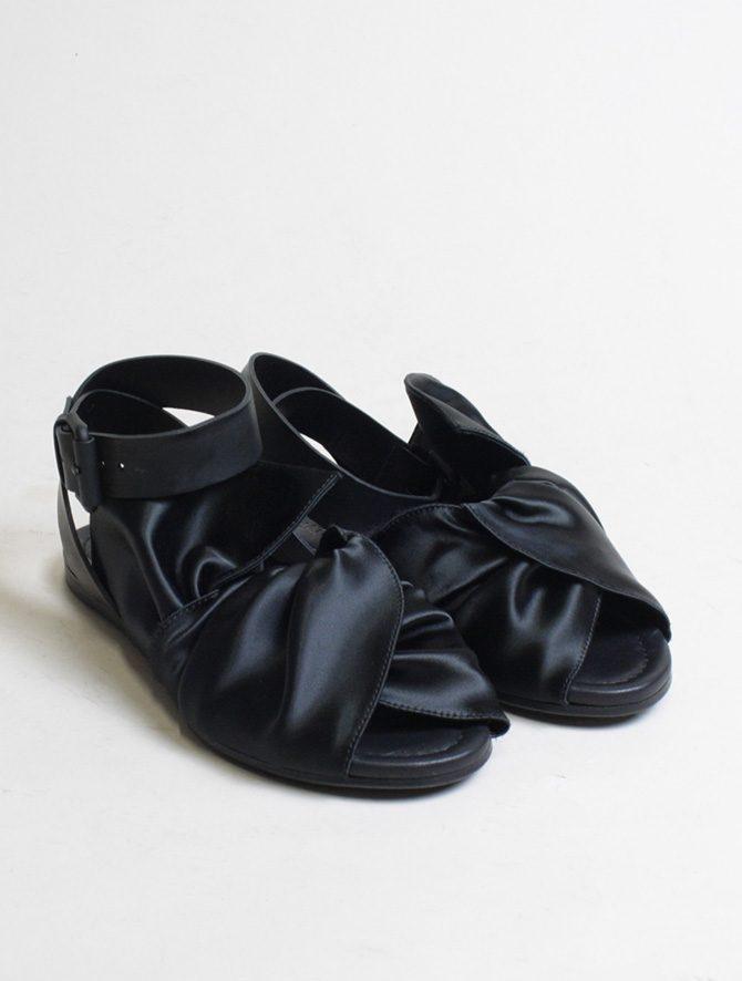 Vic Matié sandalo flat drappeggio nero paio