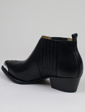 Buttero B7430 Tres Nero heel detail