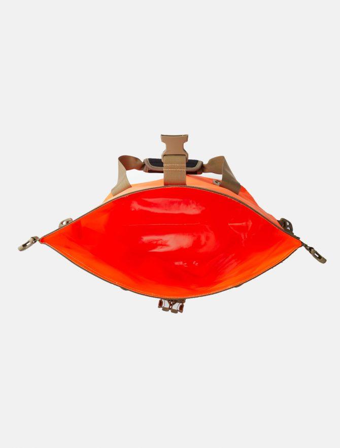 Filson Dry Roll-Top Tote Bag Flame dettaglio