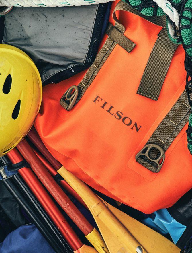Filson Dry Roll-Top Tote Bag Flame mood 2