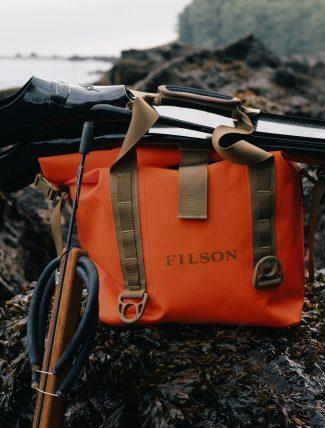 Filson Dry Roll-Top Tote Bag Flame mood 1
